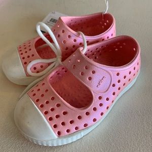 NWT Kids pink Native shoes Mary Jane style